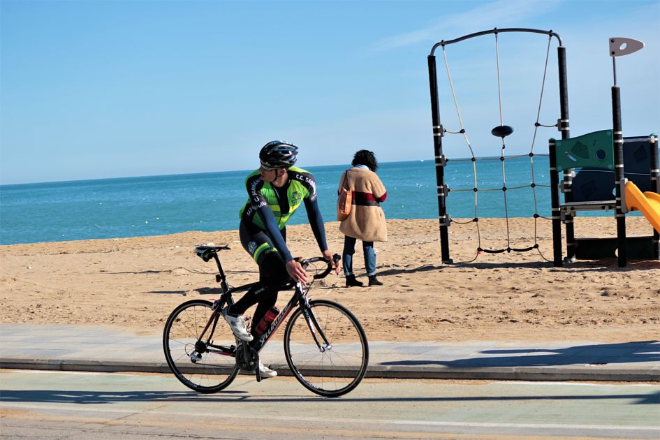viajes_bici_maestrat_stage_feria_romana_playa