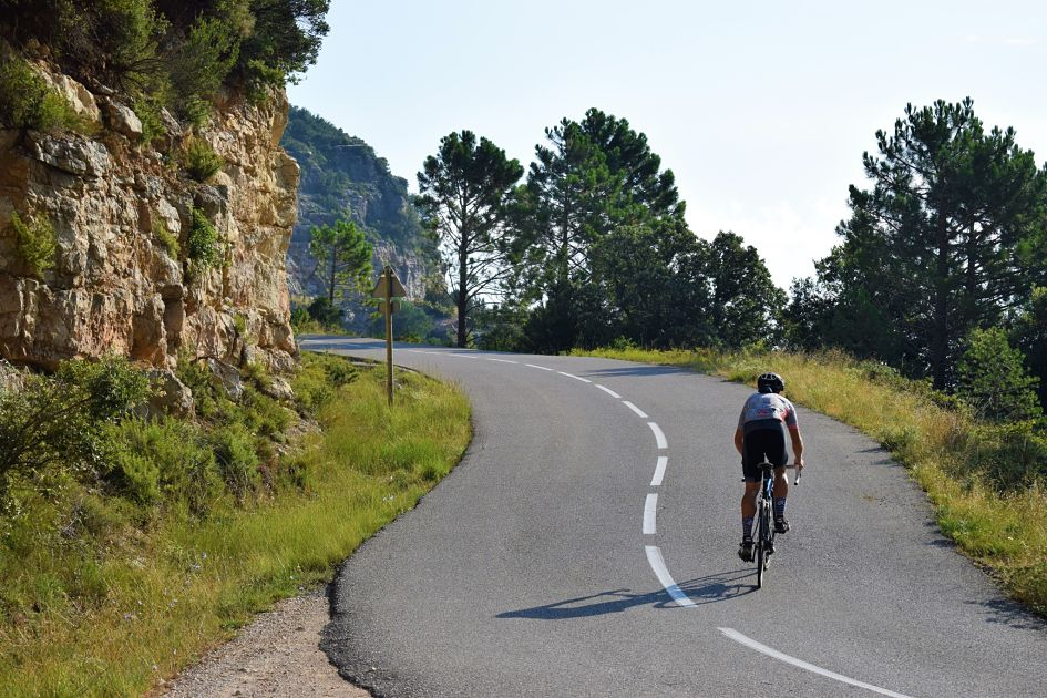 viajes_bici_maestrat_stage_monte_caro_descansillo