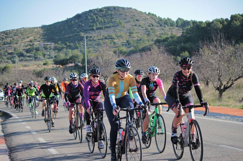 stage_mujeres_ciclistas_peñíscola_viajes_bici_maestrat_ser_mujer_ciclista-min_