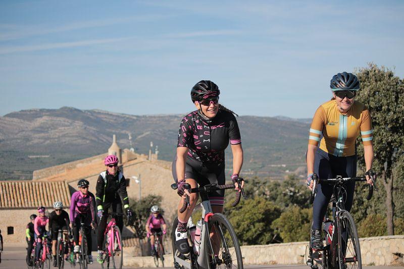 stage_mujeres_ciclistas_peñíscola_viajes_bici_maestrat_ser_mujer_ciclista7-min_opt